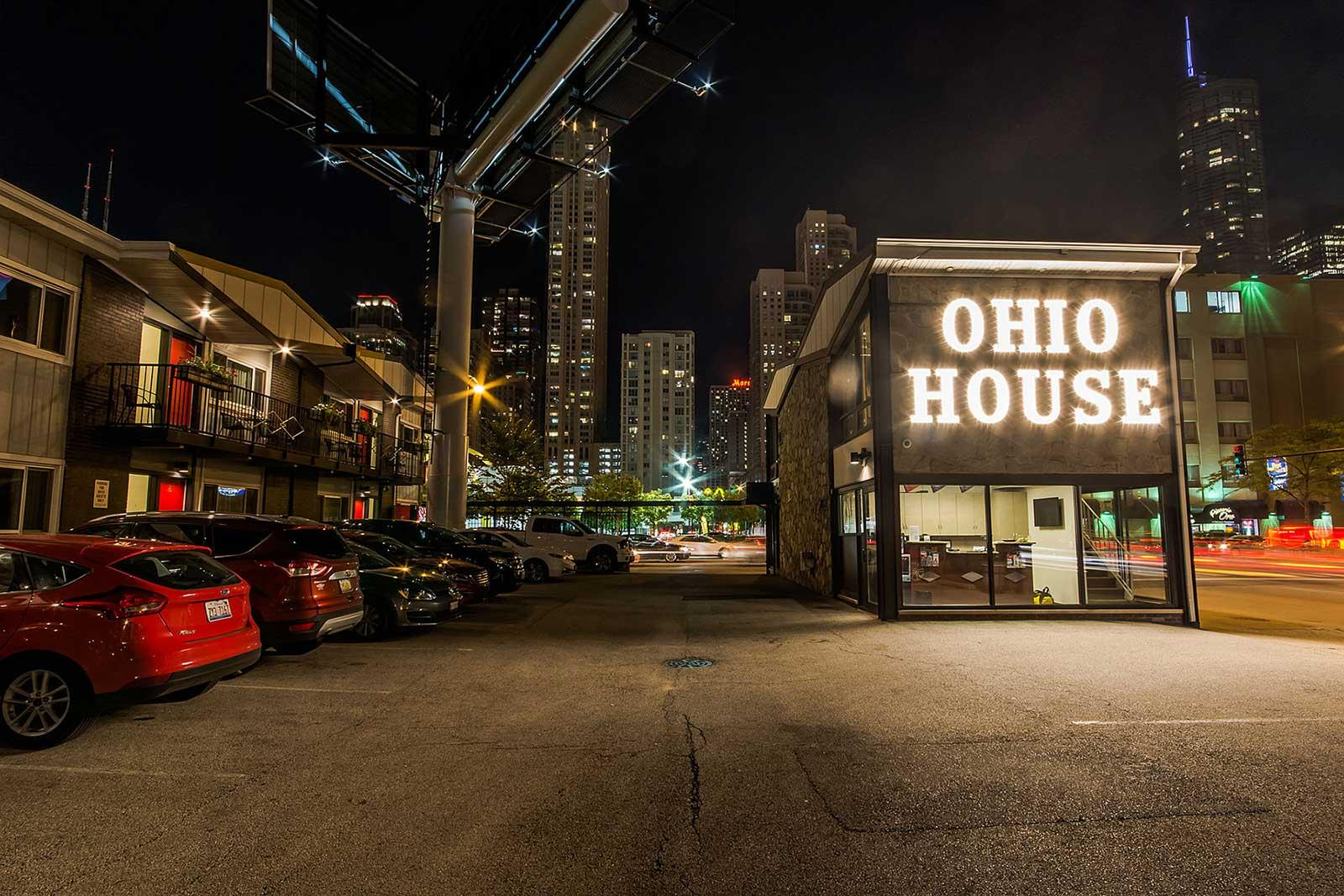 Ohio House Motel in Chicago's River North - Free Parking For